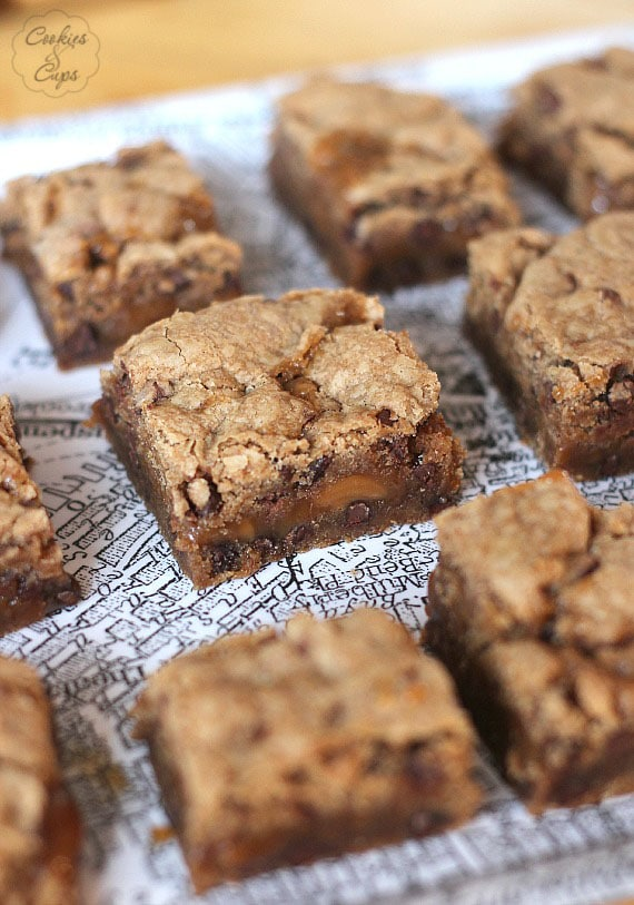 Spice Cake Brownies | www.cookiesandcups.com