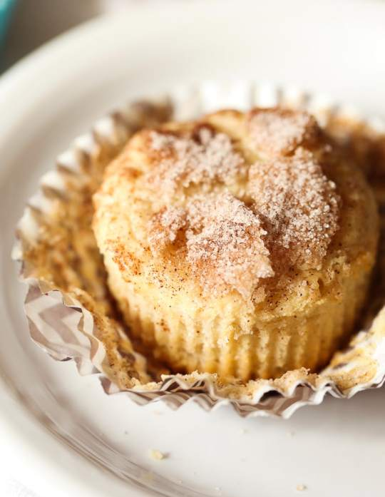 Snickerdoodle Muffins! Soft, cakey muffins, topped with crunchy cinnamon sugar!