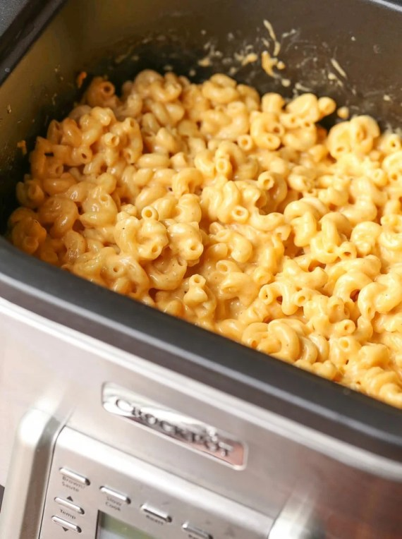 NO BOIL Crock-Pot Mac and Cheese! No need to boil your pasta!