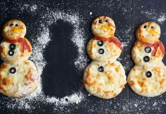 Snowman Personal Pizzas