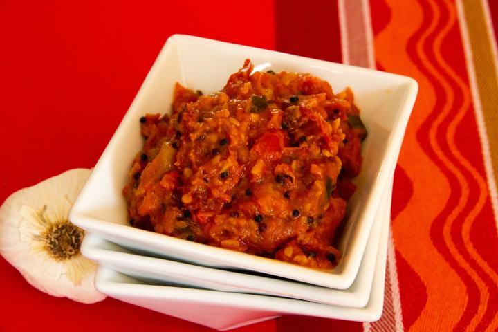 Tangy & Spicy Tomato Chutney (Gojju)