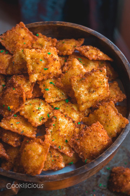 close up shot of Copycat Olive Garden Cheesy Fried Ravioli