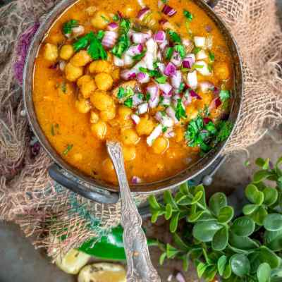 South Indian Chickpeas Curry | Chettinad Kondai Kadalai Kuzhambu