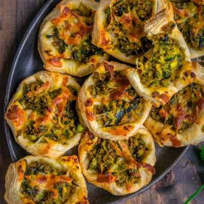 Homemade Spicy Green Peas & Spinach Pastry Puffs