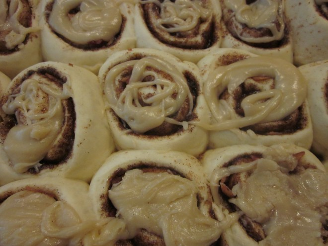 Maple Bacon Cinnamon Rolls 015