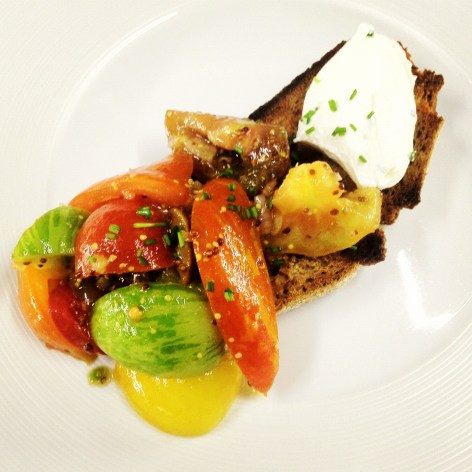 chargrilled-sourdough-with-goats-cheese-and-heritage-tomatoes-9.jpg