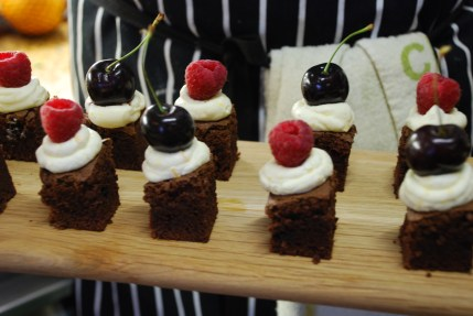 chocolate-brownie-canapes-with-marscapone-and-seasonal-fruit-2.jpg