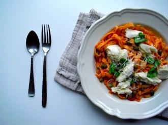 https://cookingbrainsblog.wordpress.com/2012/09/23/my-favourite-inauthentic-pastas-tomato-sauce-1-0/