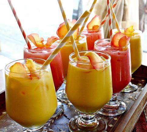 sizzling tandoor mango lassi