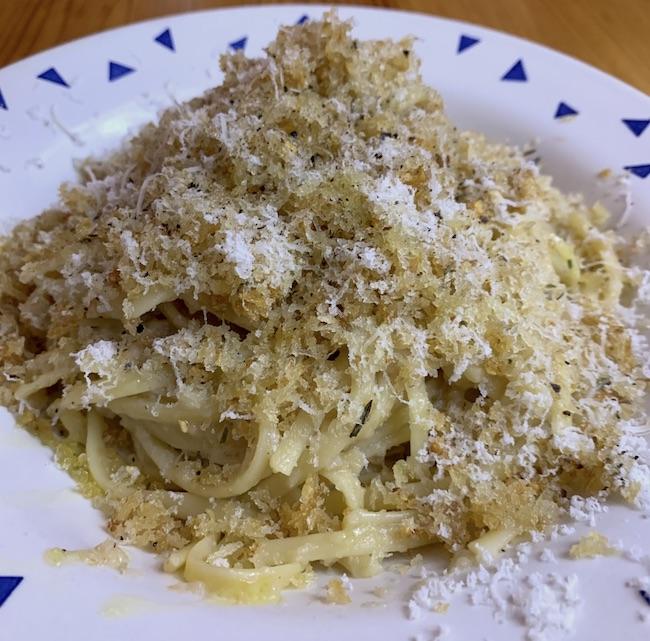 Garlic Toast Crumb Spaghetti