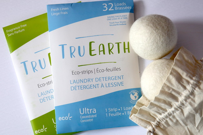 eco friendly laundry detergent and dryer balls