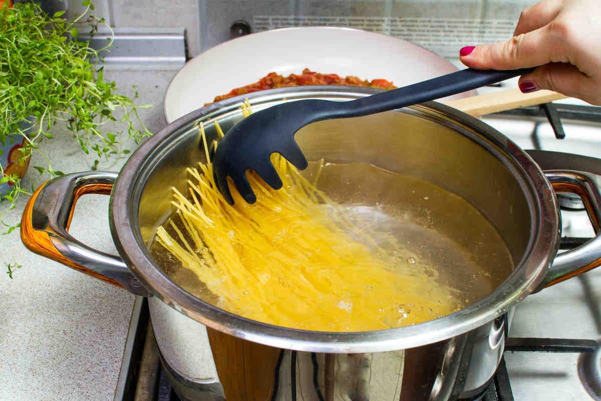 كيف تطبخ السباغيتي