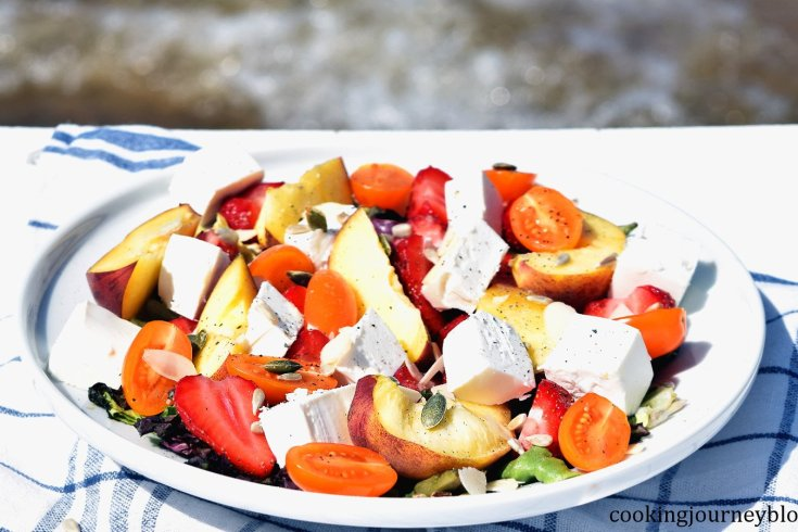 Seaside summer salad: fruit salad with feta