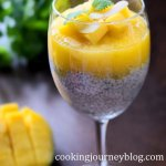 chia seed pudding with mango