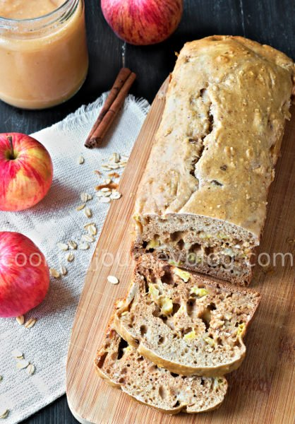 Apple Cinnamon Bread. Apple bread is one of our sugar-free recipes to try. It is made with apple sauce, flour and oat meal. It delivers great spicy flavour and apple chunks will make it more moist. Apple bread, served on the wooden board