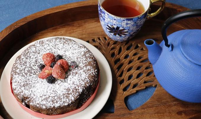 Torta Caprses cake. on tray