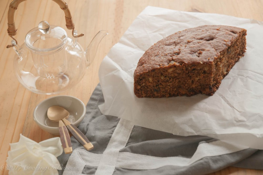 date-cake-with-pinenuts