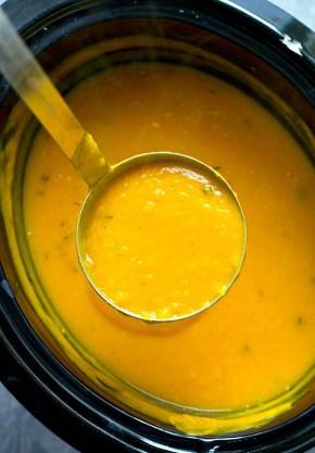 Crockpot-Roasted-Garlic-Butternut-Squash-Soup2