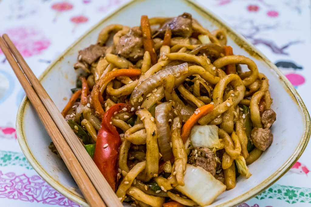 stir fried udon noodles with pork