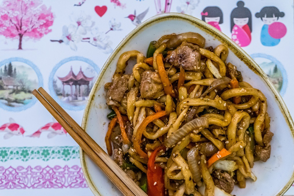 stir fried udon with pork