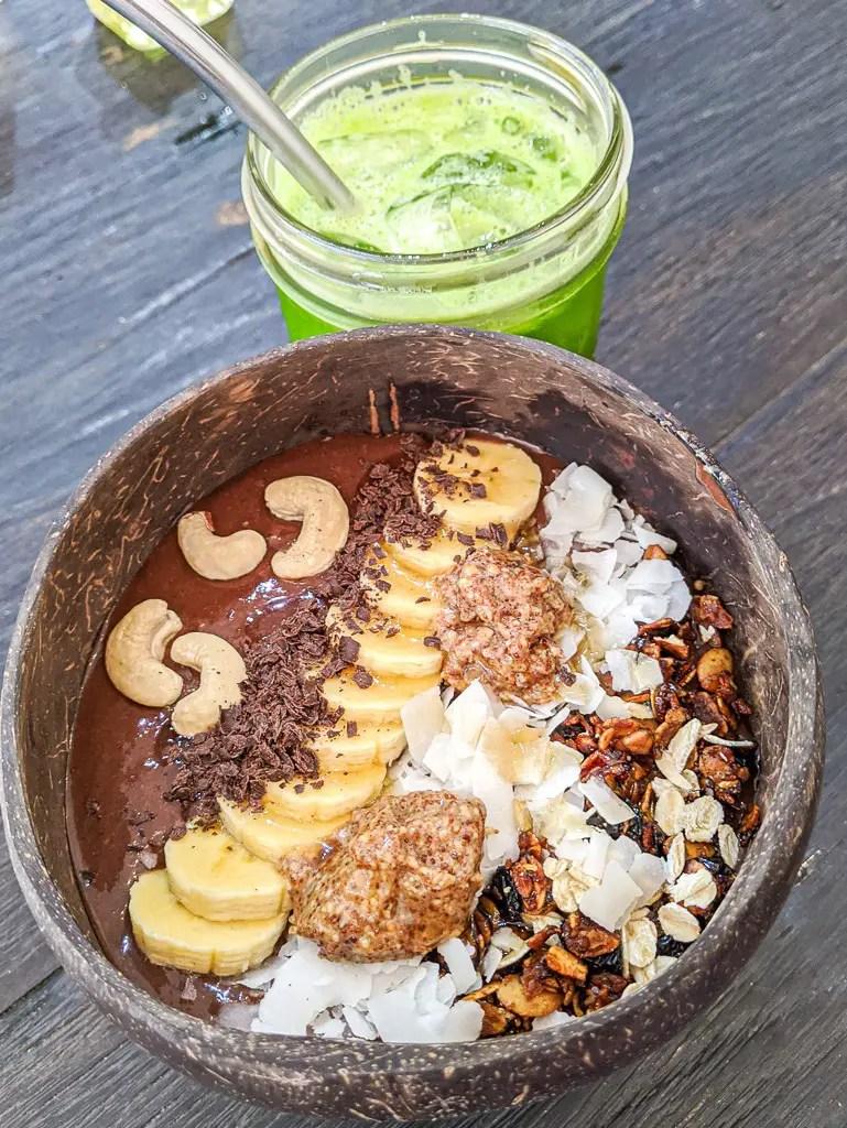 The Afrika smoothie bowl from cafe organic in Canggu Bali