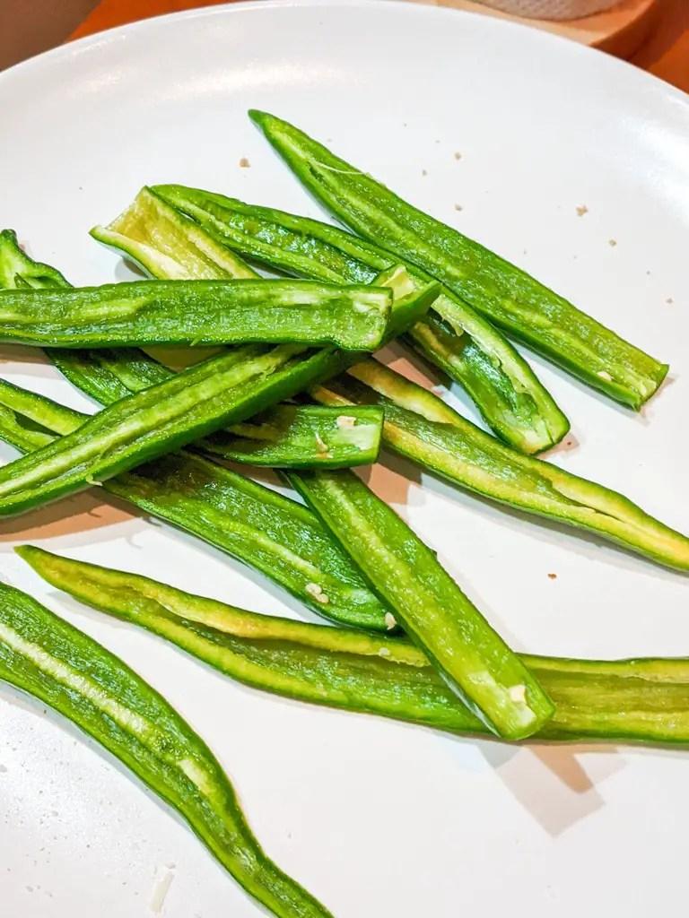 sliced cayenne chili