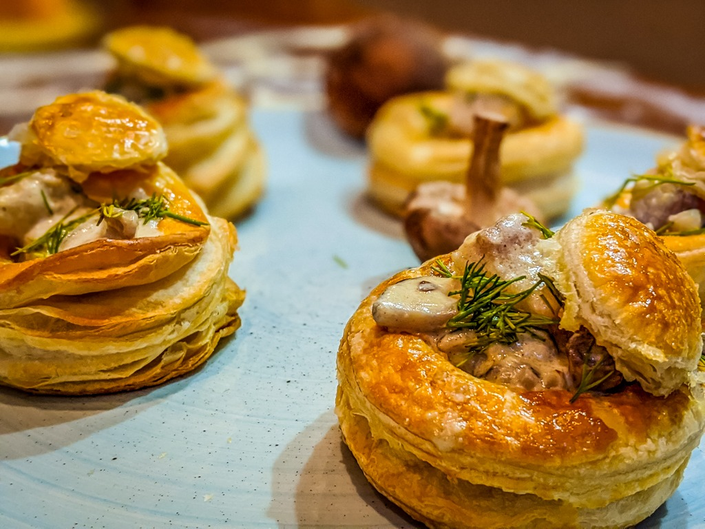 vol-au-vent with whitefish is a surprisingly perfect quarantine recipe. Most of the ingredients are pantry staples, or frozen goods