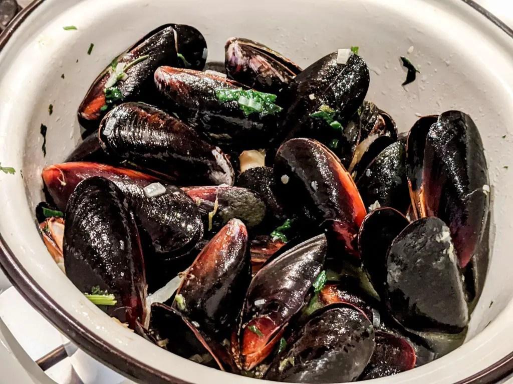 Mussels in a pot
