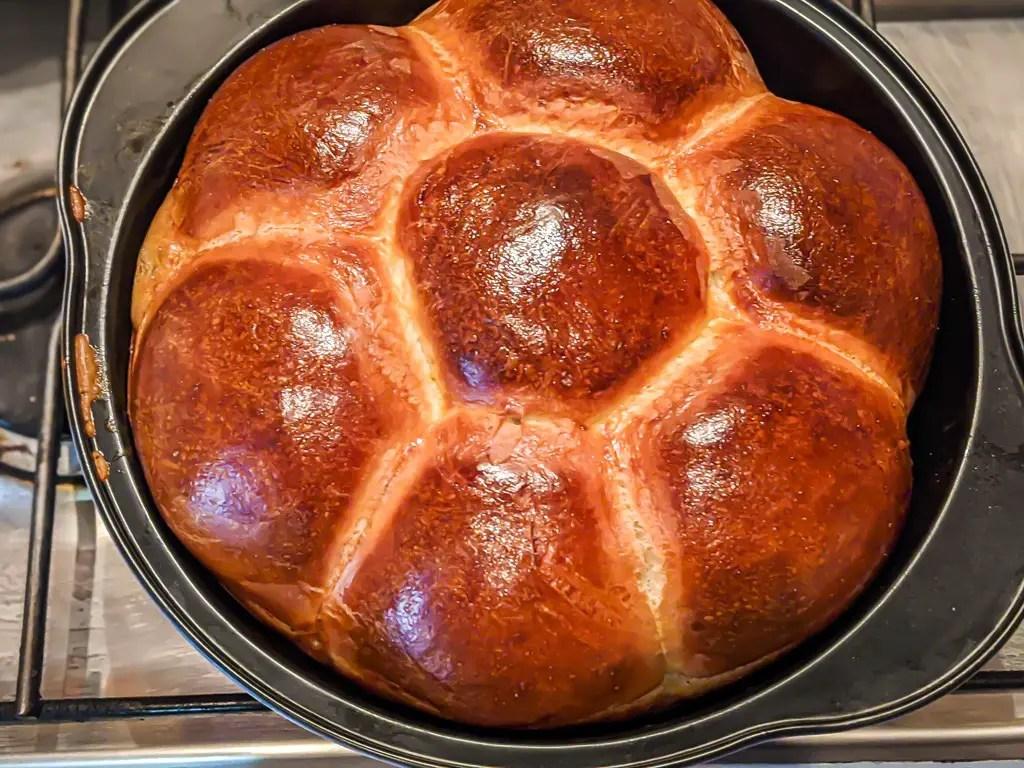 freshly baked pampushky