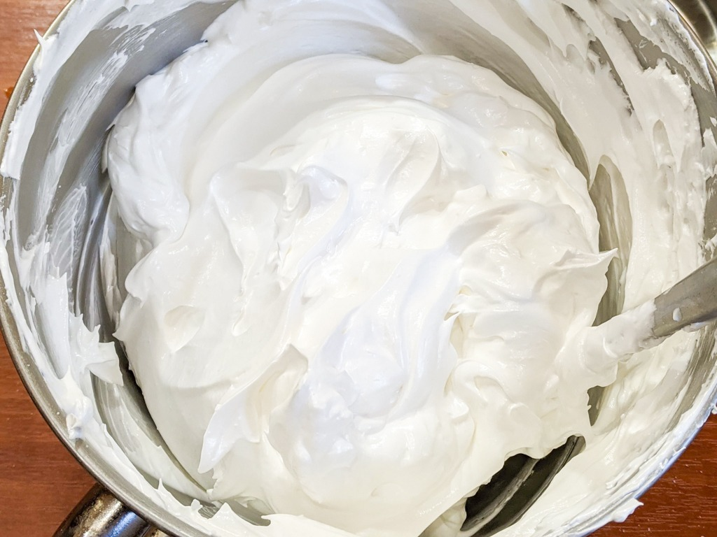 stiff and glossy meringue