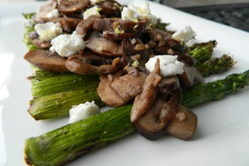 Grilled Asparagus and Mushroom Salad With Goat Cheese