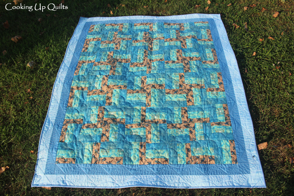 Rail Fence Quilt with Clamshell quilt design