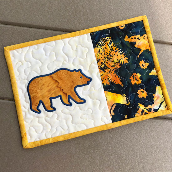 Mug rug with bear applique