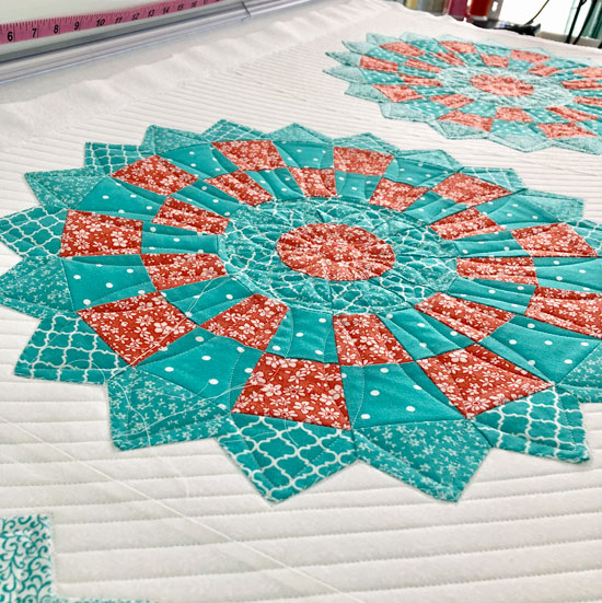 Dresden plate table runner with custom quilting by Beth Sellers of Cooking Up Quilts