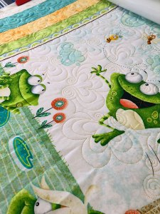 Frog panel quilting by Beth Sellers of Cooking Up Quilts