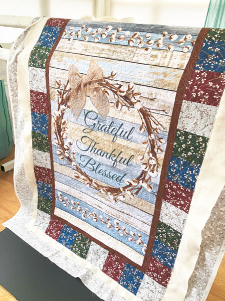 Grateful quilt panel quilted by Beth Sellers of Cooking Up Quilts
