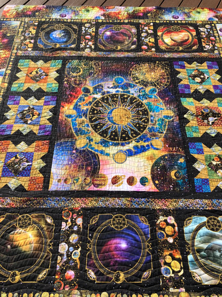 Cosmos quilt - quilted by Beth Sellers of Cooking Up Quilts