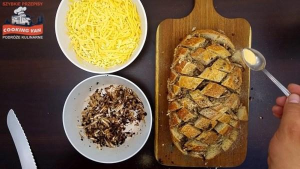 Chleb faszerowany serem i pieczarkami - podróże kulinarne