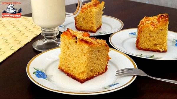 Ciasto drożdżowe z owocami - podawaj z mlekiem lub kawą