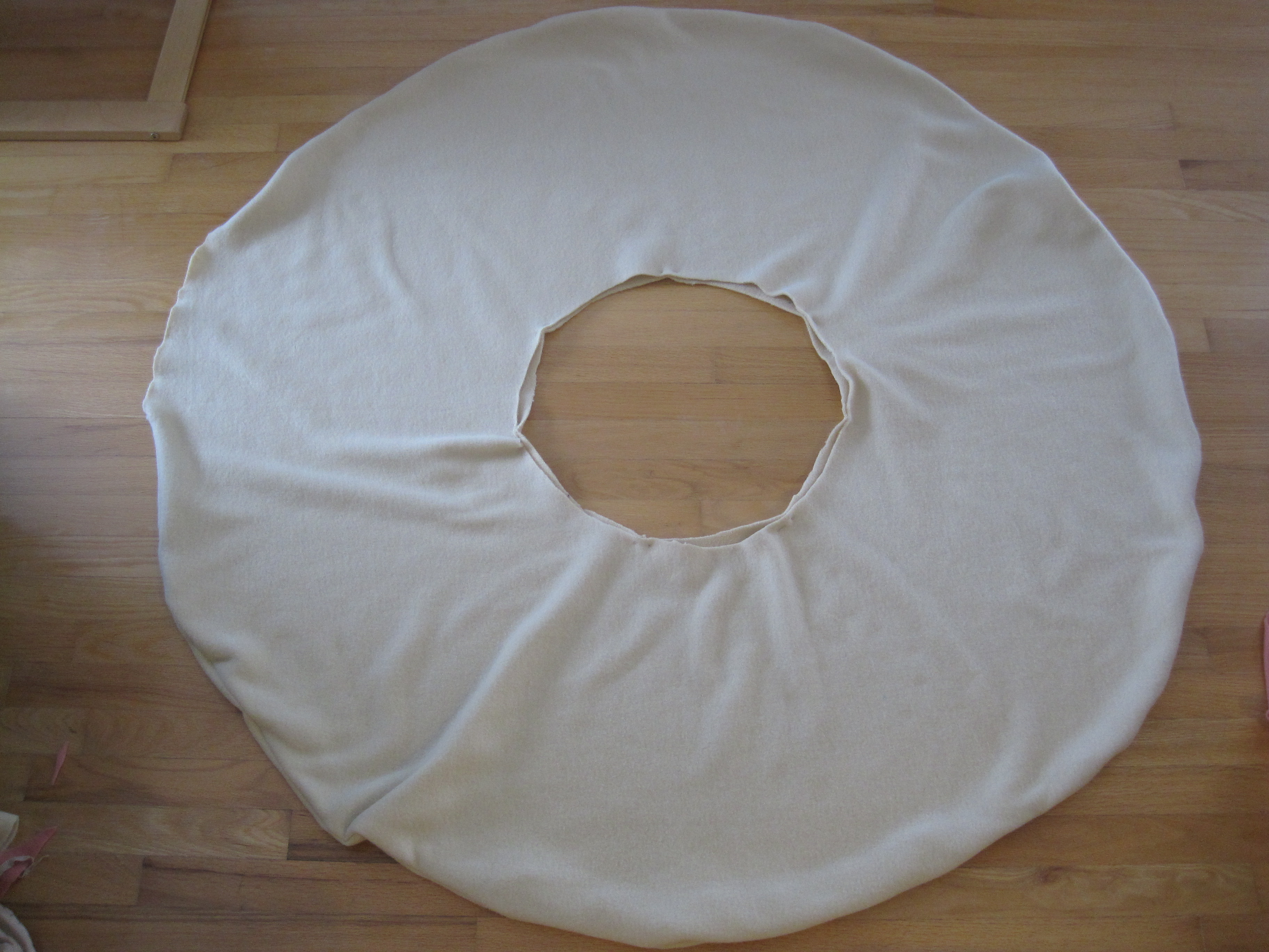 how to make a donut pillow or a giant