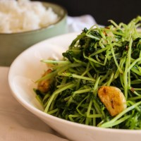Garlic Pea Sprouts Stir Fry