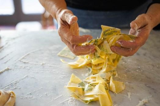 Tossing flour through the maltagliati