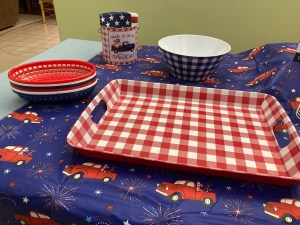 buffalo checkard tray and red white and vlue small baskets for hot dogs