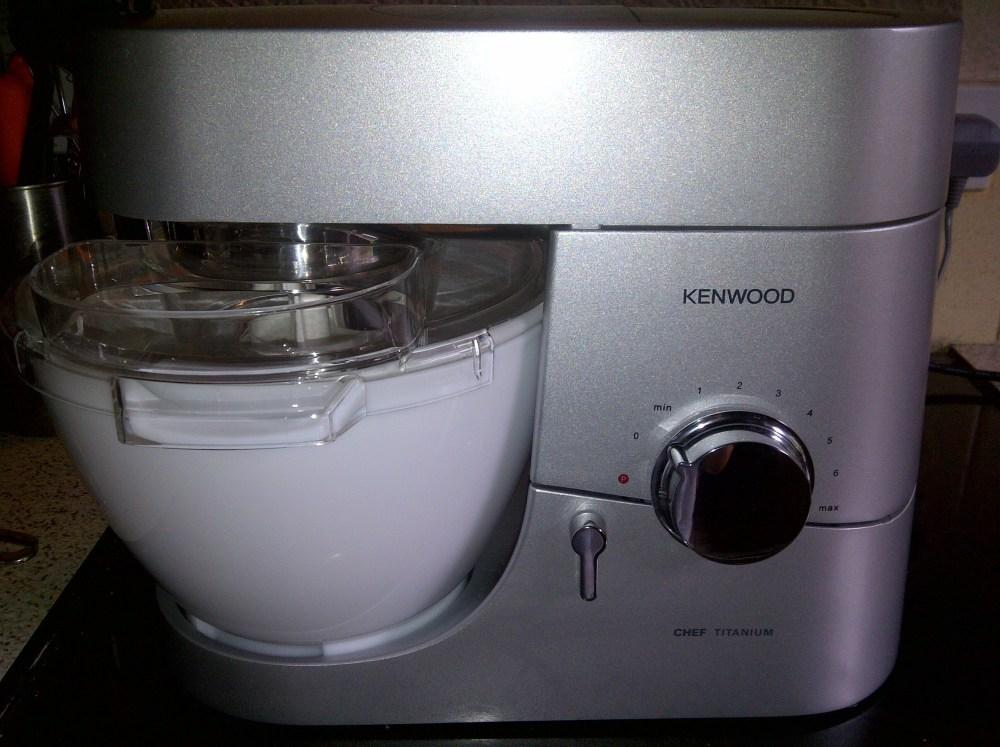 Vanilla Ice Cream Using Kenwood Chef Ice Cream Maker Attachment  (6/6)