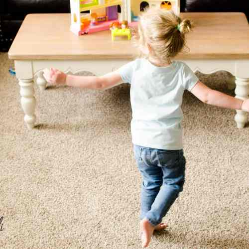 Dancing is a great, screen-free way for kids to exercise!