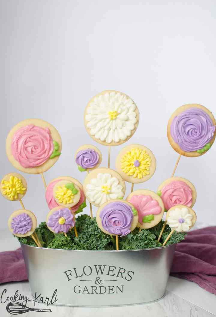 Perfect Teacher gift 'Thanks for helping my child GROW' with this cute pot of sugar cookie flowers.