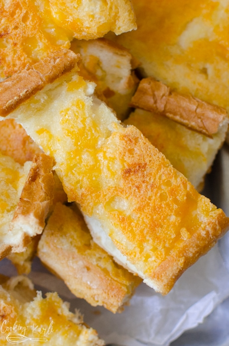 garlic cheese bread is the perfect carb side dish for any weeknight meal.