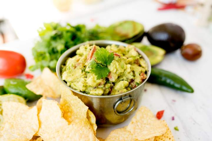 the best guacamole recipe, served.