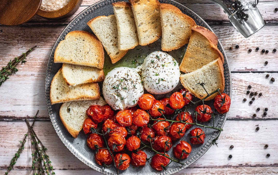 Roasted Cherry Tomatoes and Burrata