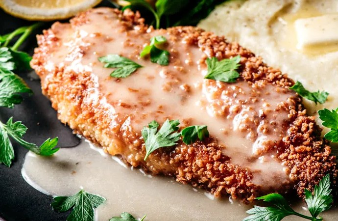 Crunchy Chicken with White Wine Lemon Butter Sauce